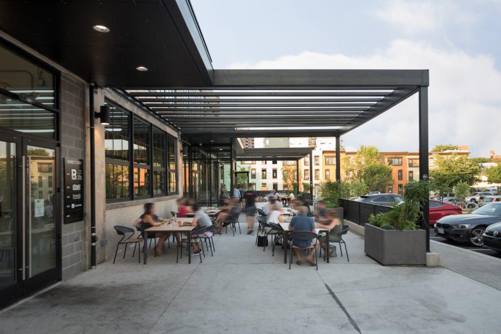 r-house-patio-2