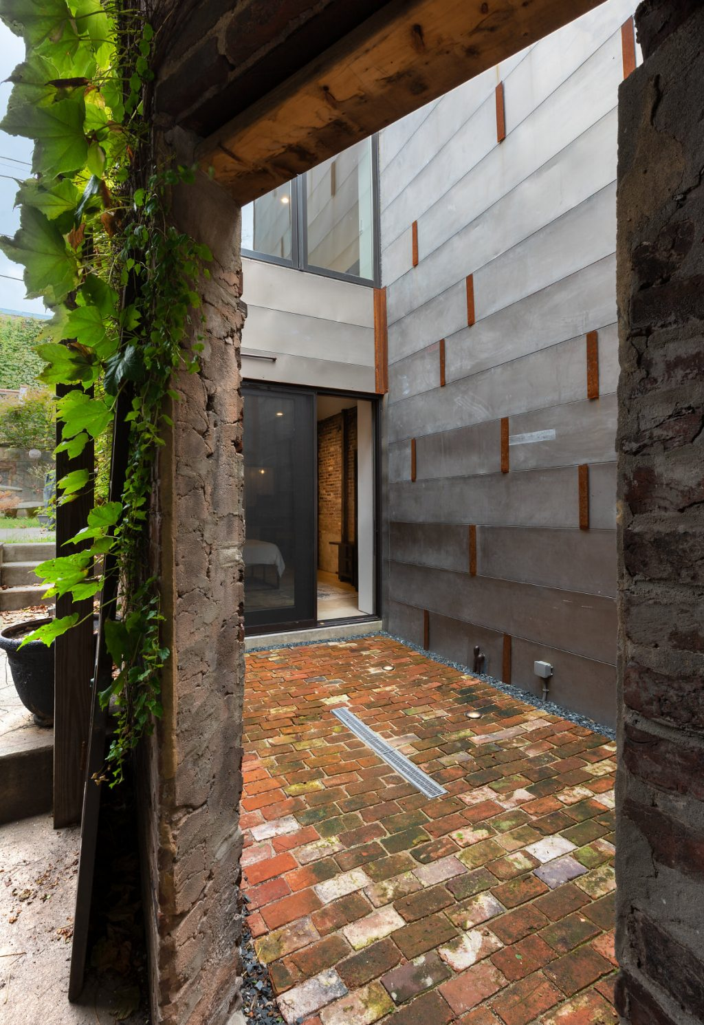 courtyard-03